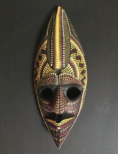 Maske mit Dotpaint Bemalung